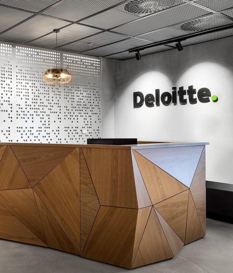 DELOITTE (24)1